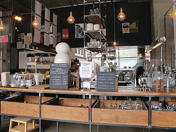 Japanese Caf 233 Falco Makes Siphon Coffee In Montreal S Mile