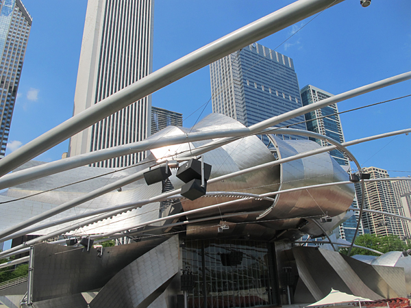 chicago frank gehry © Will Travel for Food