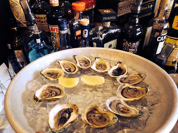 chez victoire best oysters montreal © Will Travel for Food