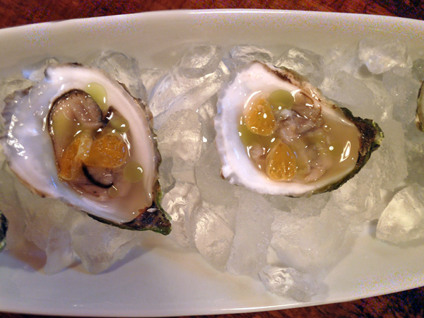 restaurant gus best oysters montreal © Will Travel for Food