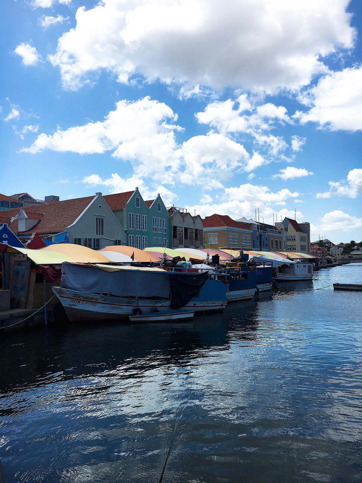 floating-market-willemstad-curacao © Will Travel for Food